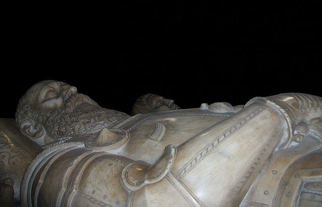 Estàtues jacents del sepulcre dels marquesos de Zenete, capella dels reis del convent de Sant Doménec, València